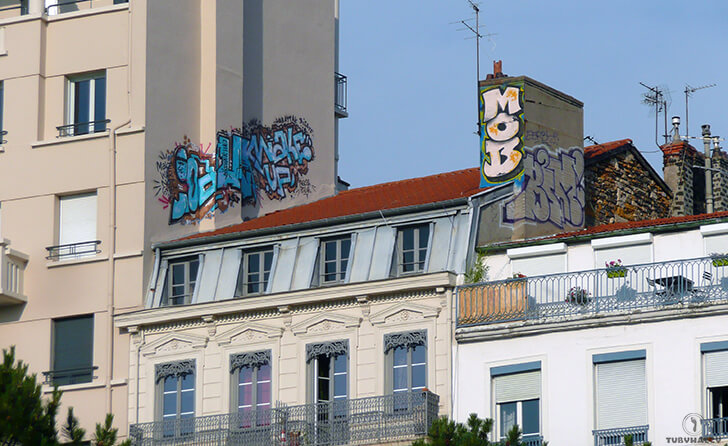 Lyon graffiti