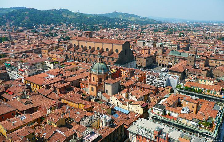 Bolonia widok zGarisenda Asinellia