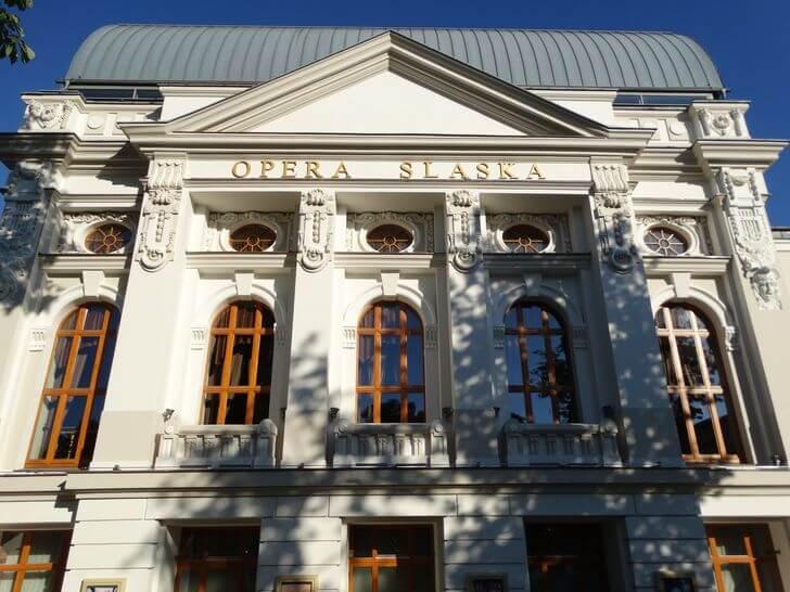 opera-slaska Bytom zładnej strony