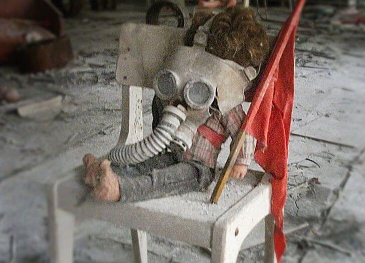 wycieczka doczarnobyla - lalka